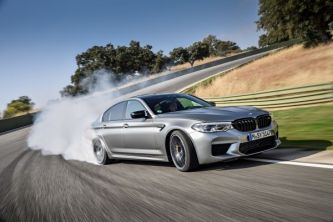 P90315983_lowRes_the-new-bmw-m5-compe